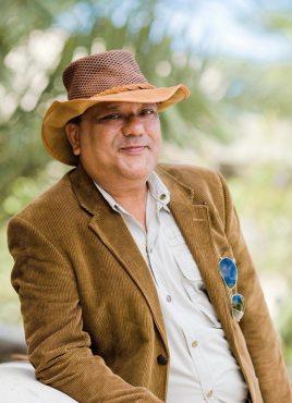 Shouqout Hussain